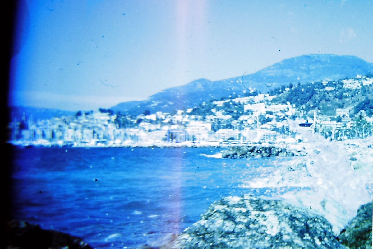 With #Holga 120CFN #Lomography Menton in the city / France. #Argentique #photographylovers #ektachrome https://t.co/Tg4lEojb0z