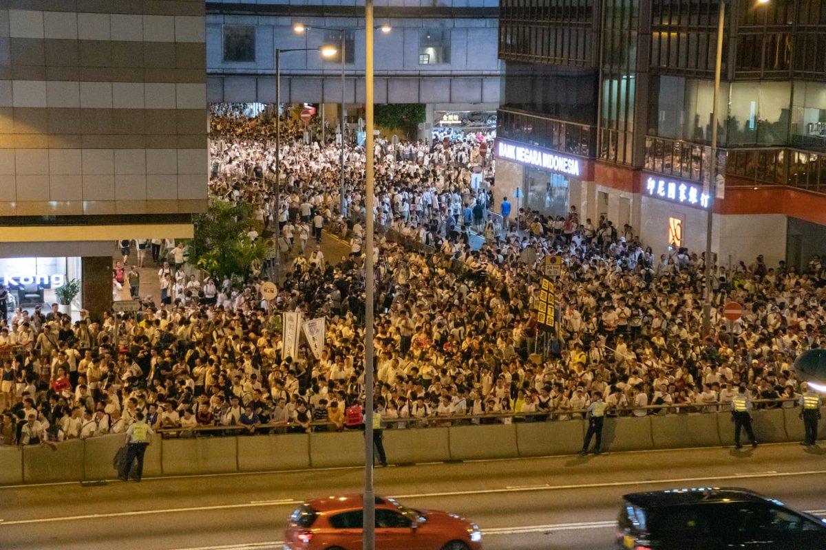 香港の美術界が「逃亡犯条例」改正案デモに反応。100以上の美術機関が休館へ https://bijutsutecho.com/magazine/news/headline/19992…