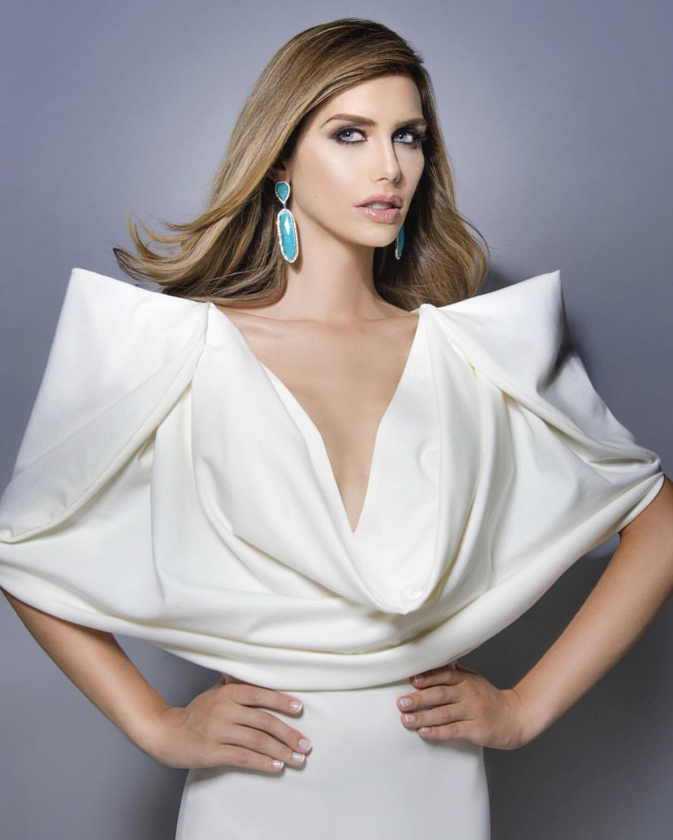appreciation tweet for angela ponce, the first transwoman candidate of miss universe.  and this is for y'all transphobes, our queen is unbothered. <br>http://pic.twitter.com/OboWM3dyvB
