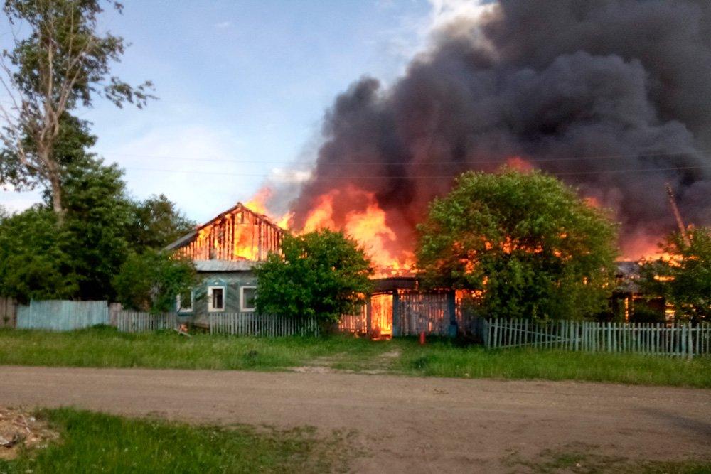поиска нужного пожар в селе деревне фото вариант