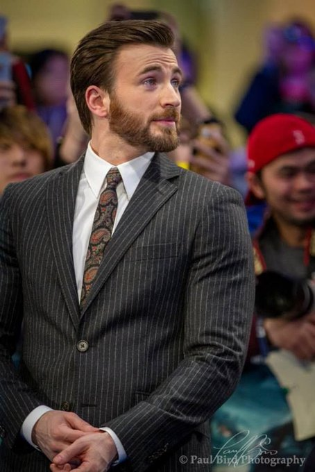 Happy 38th birthday to my wonderful headass, Chris Evans