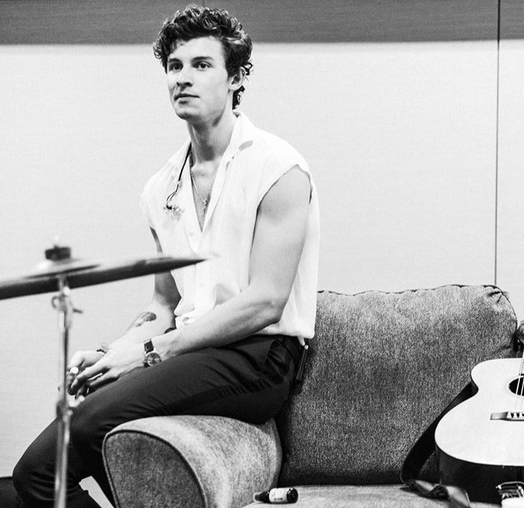 Chillin' vibes #ShawnMendesTheTourPortland <br>http://pic.twitter.com/lXqXqWkeq1