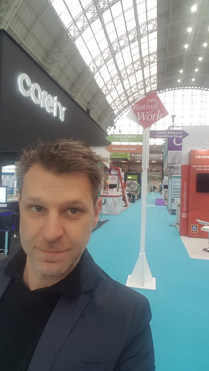 Dan is back! Day 2 of @CIPD @FestivalofWork and we're ready to capture more inspirational insights and learning. Has anyone seen the pigeon? #FestivalOfWork #cipd