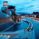 Image for the Tweet beginning: Bilbao mantiene su alta actividad
