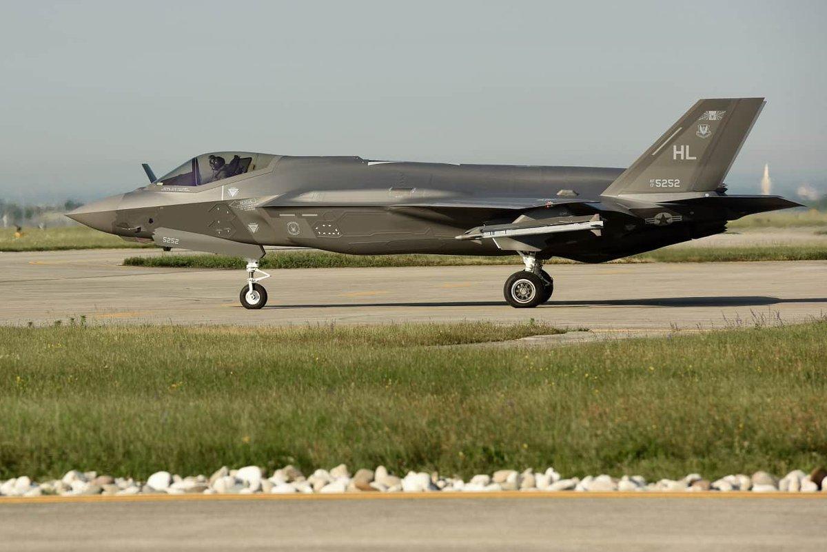 كوريا الجنوبية تعتزم شراء 20 طائرة إف-35 من واشنطن D87OHXlXsAA6FdE