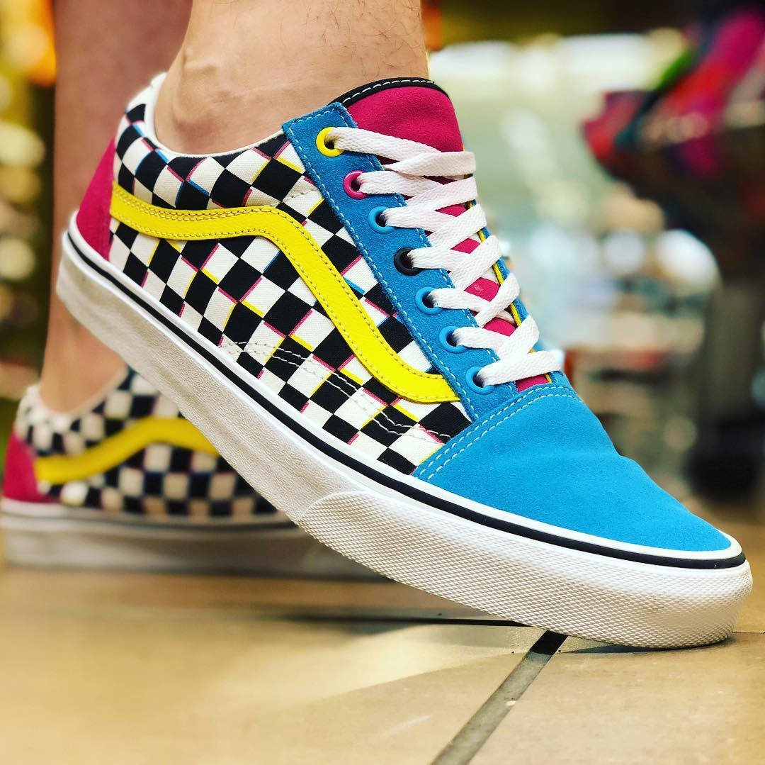 I'm Bamiji, I sell sneakers and other clothing related items at affordable price. You can reach me on WhatsApp or call on +2348091670891. Pls help retweet  #MSMEThursdayWithDipo <br>http://pic.twitter.com/eeKaUSwUot