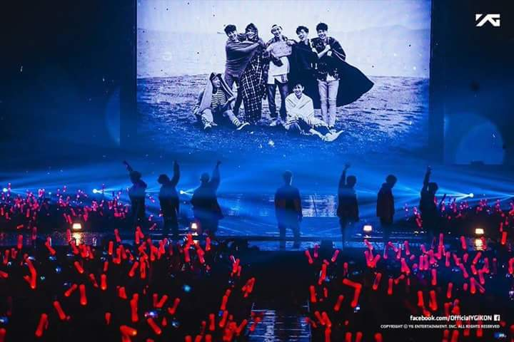 """No limit gone touch the sky"" #HANBINSTAYWITHUS #iKON <br>http://pic.twitter.com/0OWOOnZV6s"