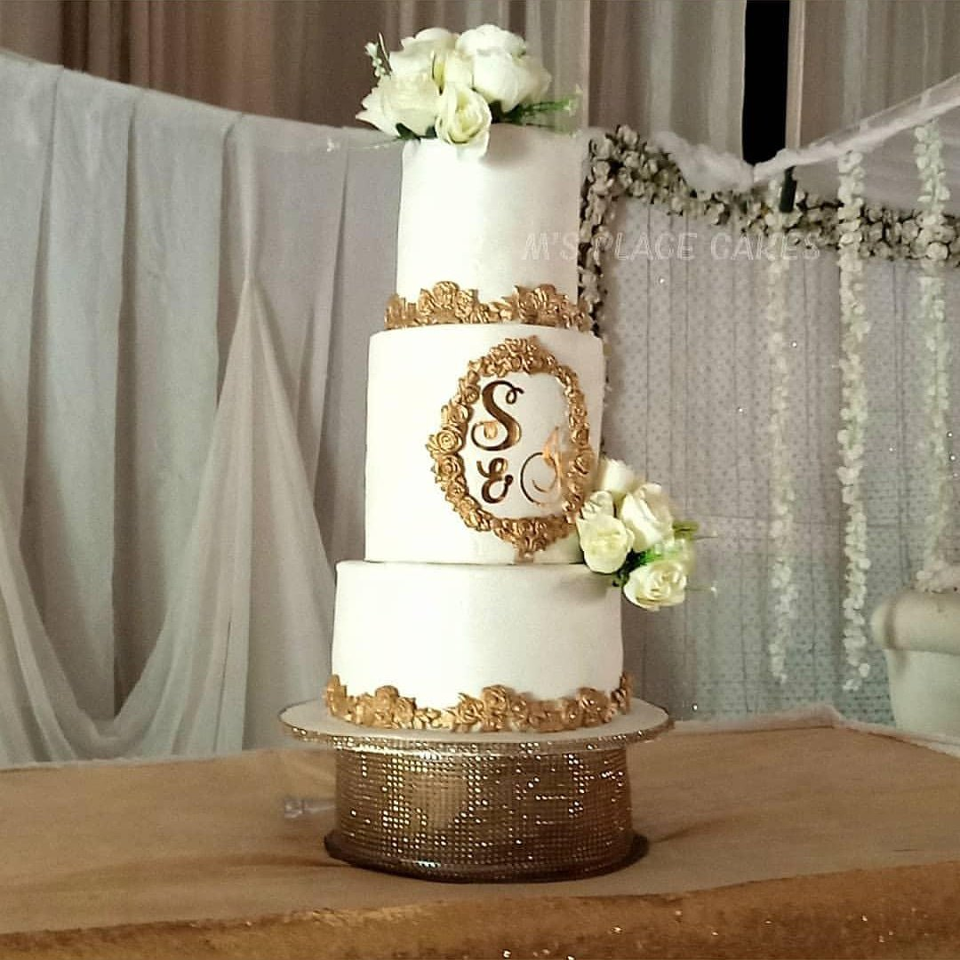 Hello Twitter. My name is Tolu and I run @MsPlaceNG. Creating beautiful memories with absolutely yummy cakes is what I do. Be it for weddings, or any other celebration, I've got you.  DM or call 08034250176 to place ur order. Delivery available. #MSMEThursdayWithDipo  Pls RT <br>http://pic.twitter.com/WziP3dxqrN