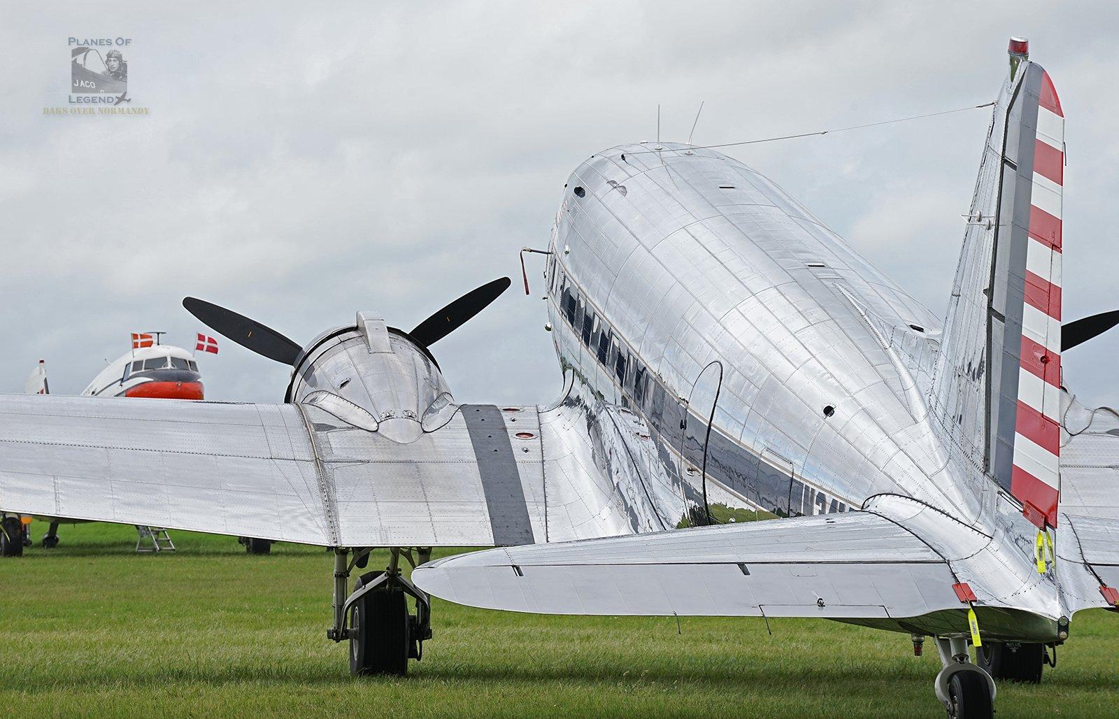 Dakota Over Normandy - Juin 2019 - 75ème anniversaire du débarquement D87VKJ_WsAAzBg8