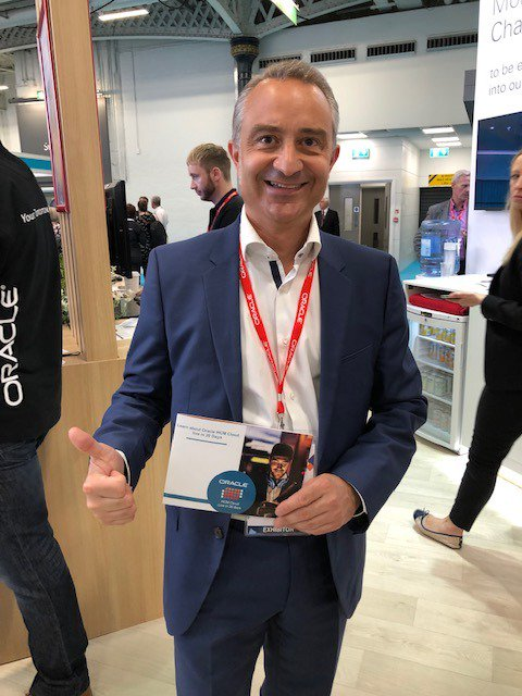 Want something to smile about - Oracle HCM Cloud - Live in 20 Days, come and visit the @OracleHCM team at @FestivalofWork on Stand B130. Great to see @GhirardiEric our Vice President of HCM Solution Engineering with the team