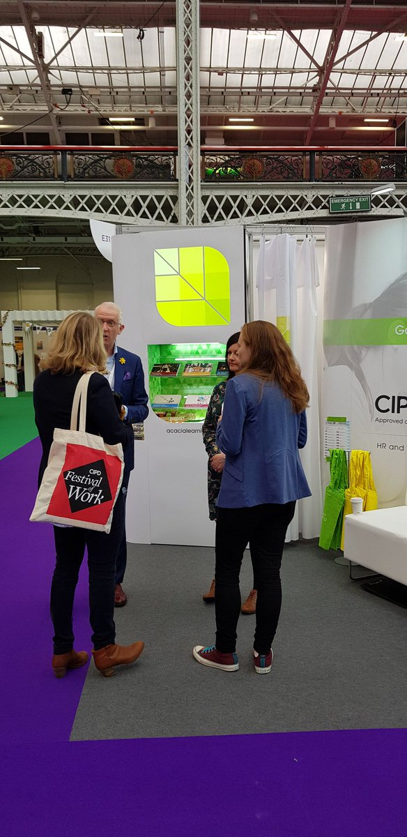 #festivalofwork #conversations what a great start to the day #HR #CIPD @Acacia_Learning