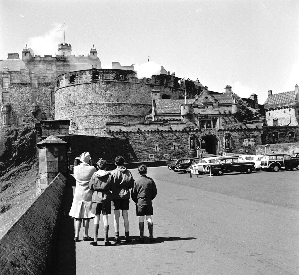 A family day out in 1964, watching a twenty-one-gun salute from the esplanade. Image kindly provided by our friends @Scranlife. #ThrowbackThursday