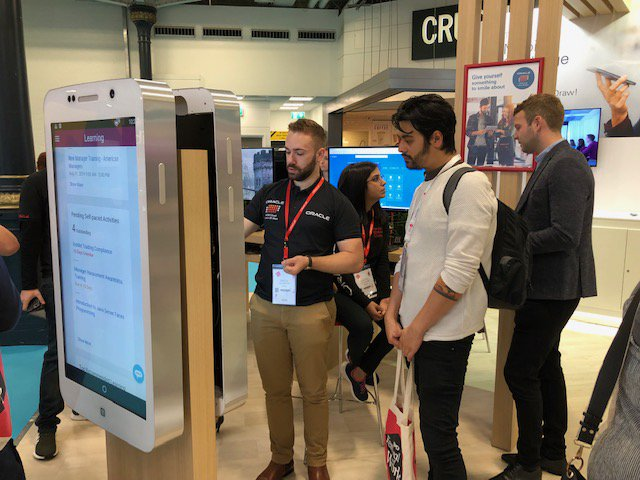 Day 2 of CIPD @festivalofwork, let the @OracleHCM team Divya Singh, Benjamin Gill, Assoc CIPD bring a smile to your face with Oracle HCM Cloud - Live in 20 Days
