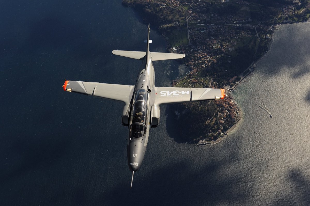 🔴#PressRelease #Leonardo awarded 300 million Euro contract to supply 13 #M345, including ground-based #training systems and a five year logistics support package, to the @ItalianAirForce http://lnrdo.co/2Kixk4O