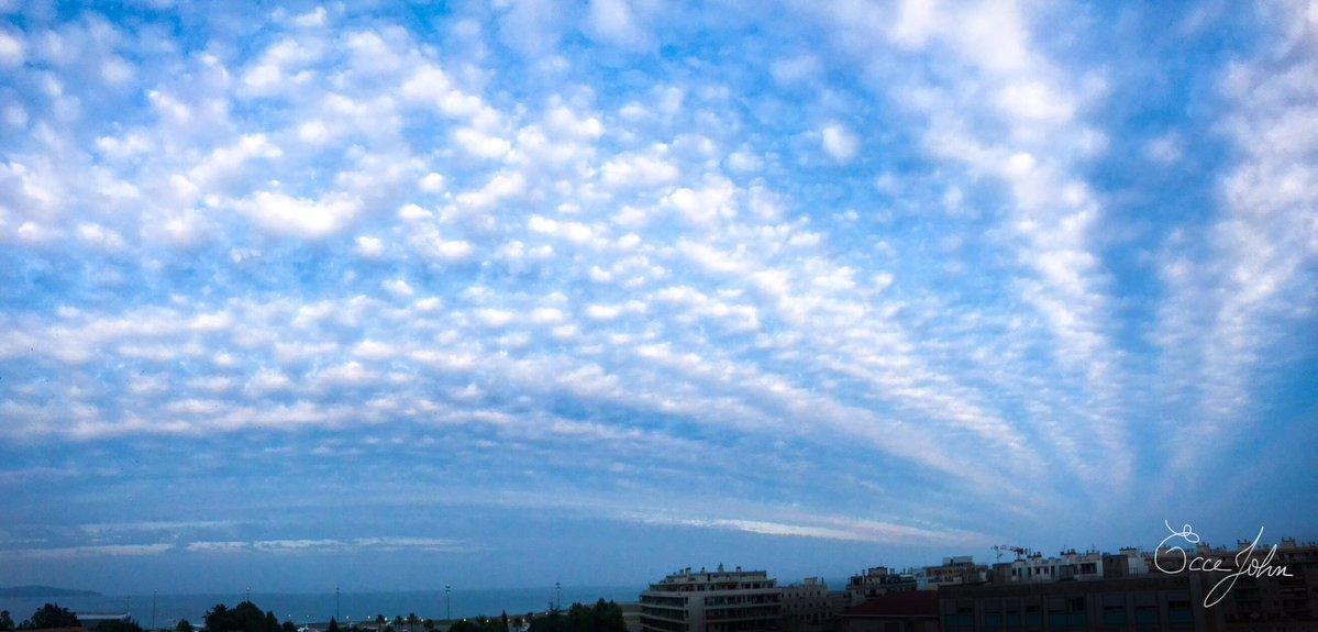 #HeyMeteoFrance 📷😃Très beaux altocumulus capturés à #Nice ce 11 juin. [2/3] 📷@Ecce_John #clouds #nuages #photos https://t.co/BdubvZXVeH