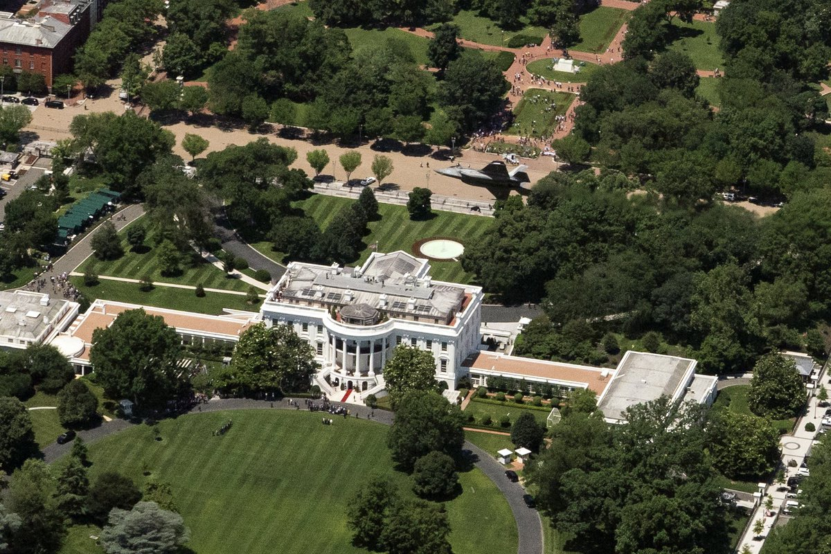 Excellent The White House On Twitter An F 35 Flies Over The White Download Free Architecture Designs Scobabritishbridgeorg