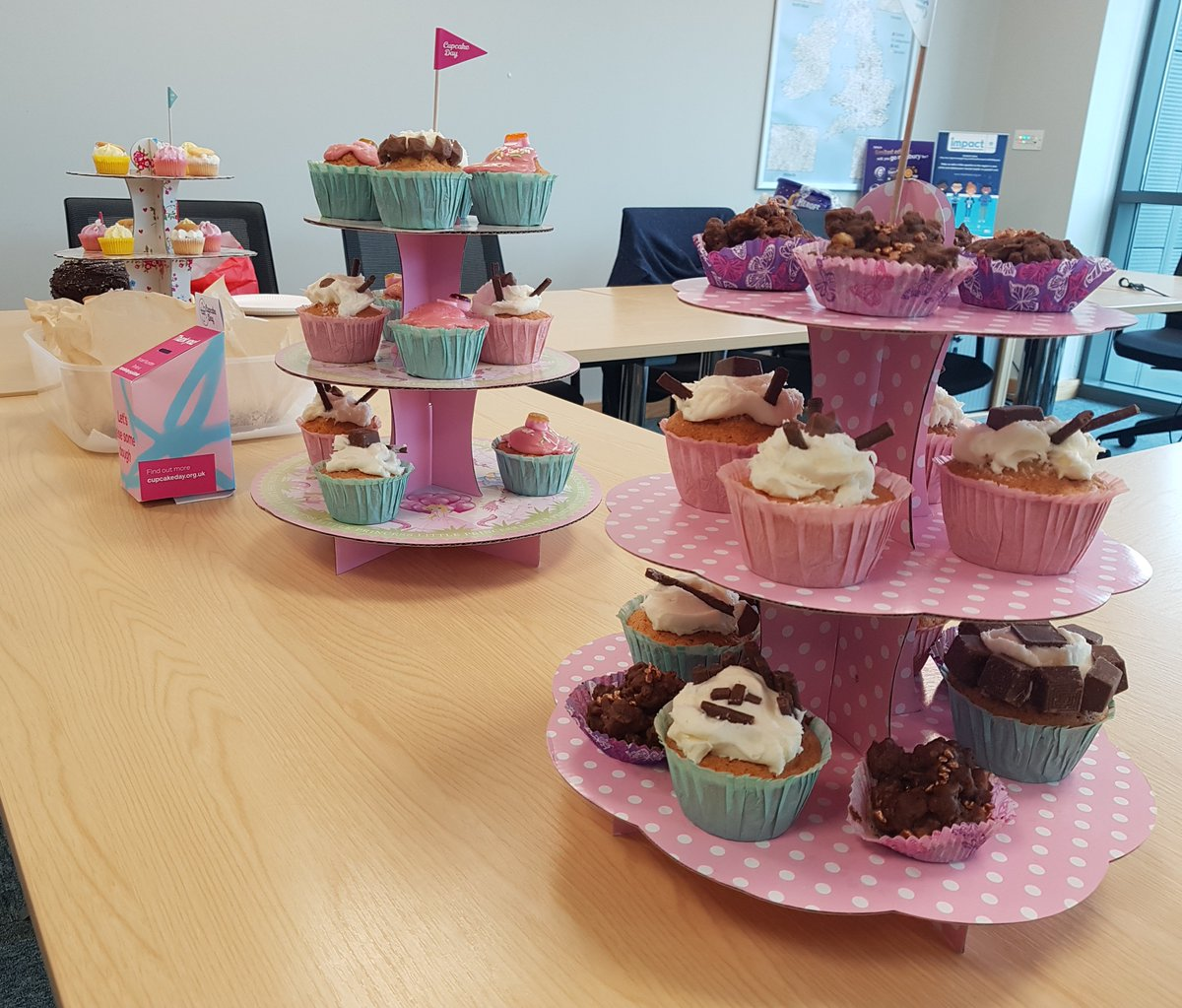 We're all about the cake today at @NisaRetail Partner Support Centre! 🍰 😋 We're getting involved in national #CupcakeDay and raising vital funds for @alzheimerssoc to help to fight against dementia and Alzheimer's disease💙