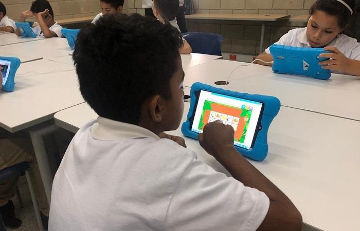 Cada vez aumenta más la importancia de la digitalización en la educación colombiana. http://ow.ly/WBmn30oW2WE