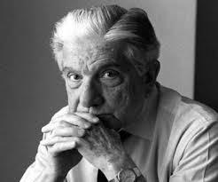 AUGUSTO ROA BASTOS. Escritor. Poeta. Periodista. El escritor más destacado que tiene Paraguay. Premio Miguel de Cervantes en 1989. Autor de la novela Yo, el supremo. Nació un día como hoy 13/6/1917, en Asunción, Paraguay.