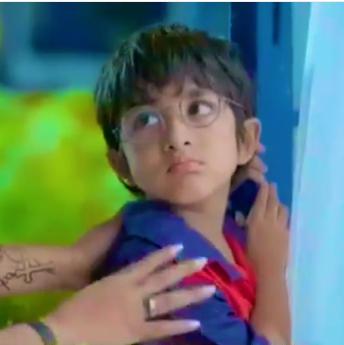 Kairav is such a mood thingHis expressions tho #KairavGoenka #Yrkkh <br>http://pic.twitter.com/7XSKWx2293
