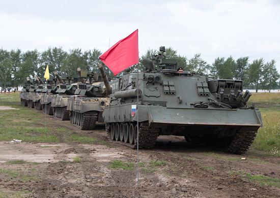 """টুইটারে マクナイト@T-84㌠: """"アルマータベースの装甲回収車が ..."""