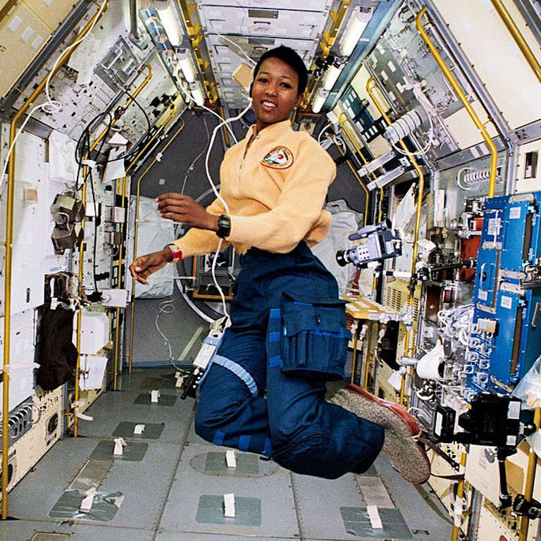 mae jemison pictures in space - 683×683