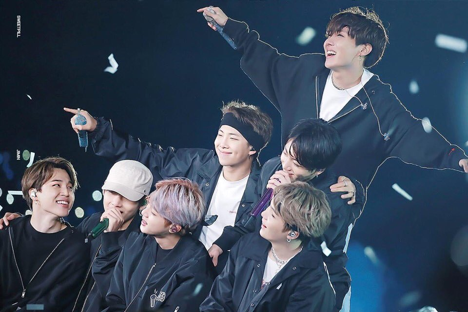 Thank you for being our @BTS_twt  I was not with you at the beginning but I will definitely go with you till the end Borahae, my youth   #6YearsWithOurHomeBTS #RewindWithLuv  #6YearsWithLuv #BTSFESTA2019<br>http://pic.twitter.com/f1cRv12uZl