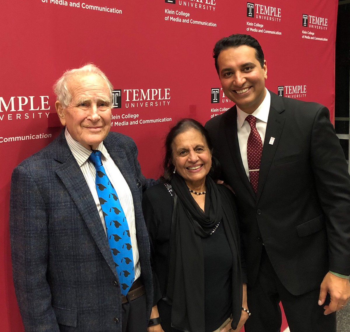 What a loss for all of us @TempleUniv. Lew Klein was a great role model for Owls everywhere. My mom and I spent time w him and his wife Janet in December @TUKleincollege graduation. He was sharp. He was kind. He was Lew. His impact will be felt for generations. RIP Lew.
