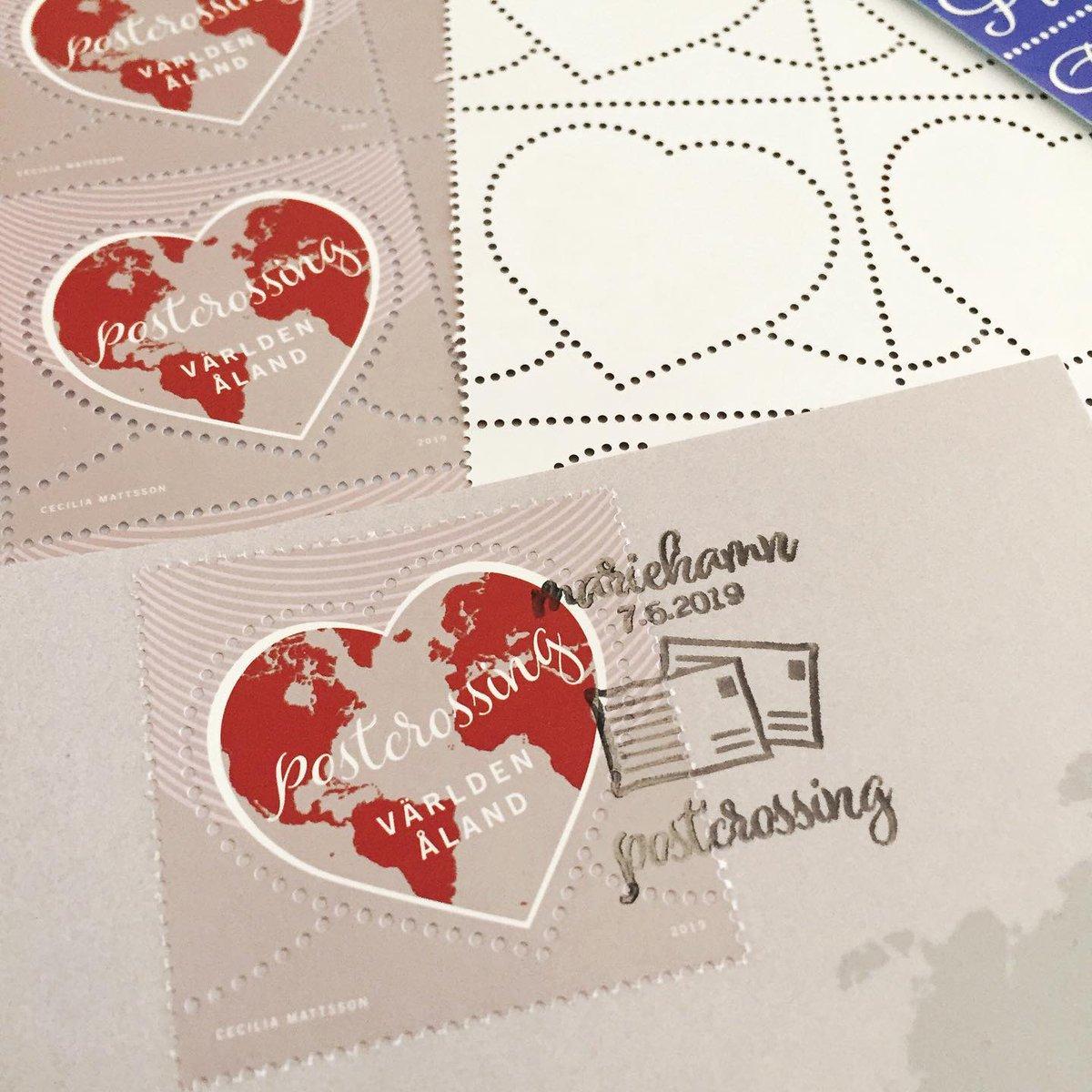 соотносят наклейки на открытки посткроссинг детально