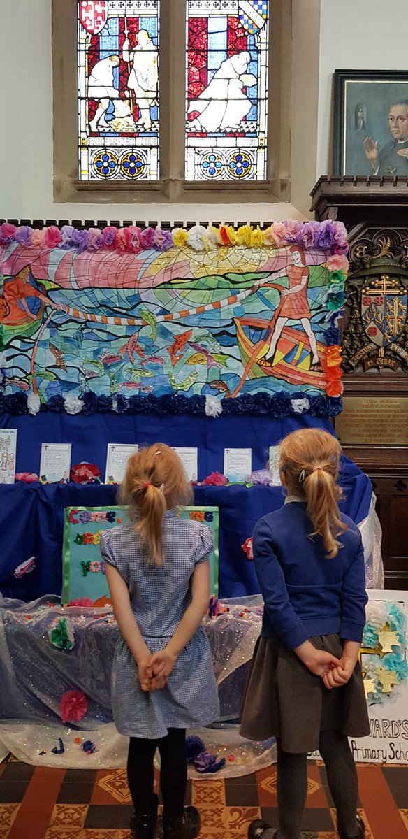 We have really enjoyed looking at the beautiful displays created by other primary schools #flowerfestival @StChadsBirm<br>http://pic.twitter.com/0xbrcbG7xn