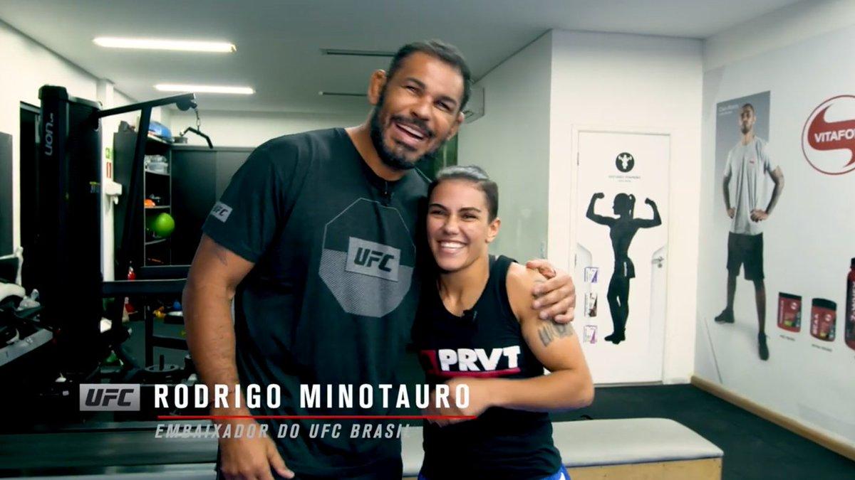 Viram essa?  A campeã peso-palha @jessicammapro usou a lenda @Minotauromma como cobaia para ensinar o bate-estaca 🏆🇧🇷!  Veja abaixo como foi o passo a passo do nocaute sobre @rosenamajunas no #UFC237 👇