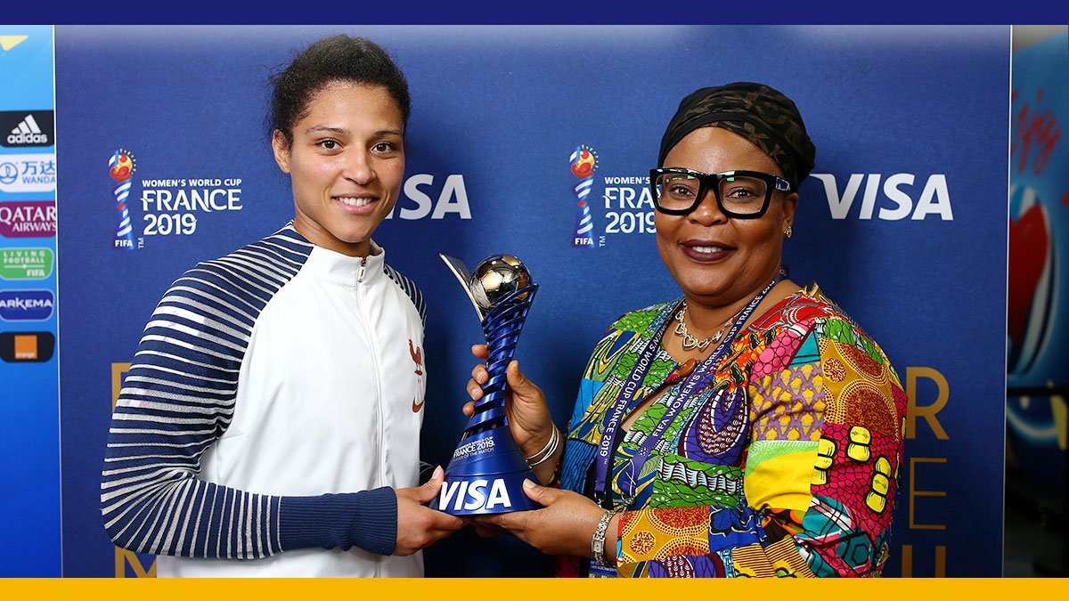 One leader of Women for Peace. One #PlayerOfTheMatch. Two women who are changing the game. Nobel Peace Prize Winner @LeymahRGbowee presented the #PlayerOfTheMatch award to Valerie Gauvinat @FIFAWWC #FRANOR. #ItTakesOneMoment #FIFAWWC