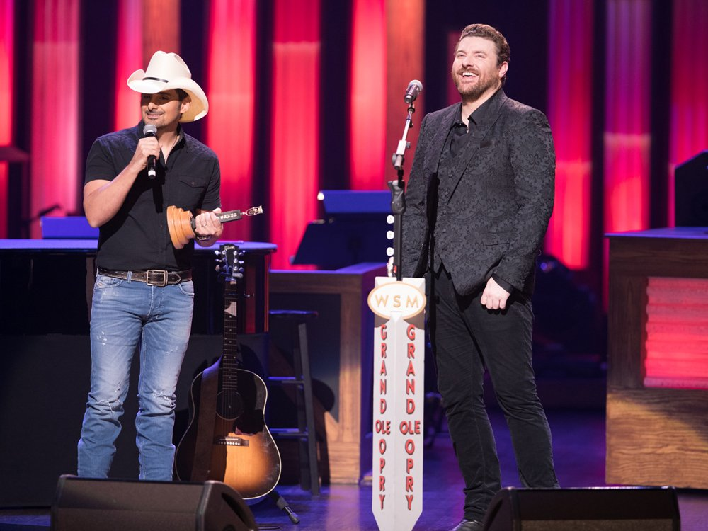 Brad Paisley's Advice to Chris Young in Today's Nashville Roundup...Read more here:   http:// ow.ly/Ov2L50uD4RQ    <br>http://pic.twitter.com/WhFbosnwyb
