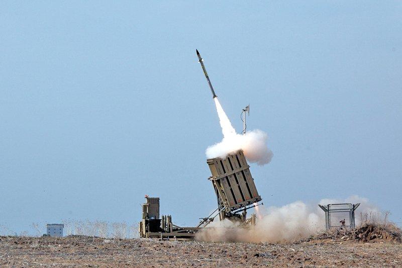 أمريكا تعتزم لأول مرة شراء منظومات القبة الحديدية من إسرائيل D89N9WoU0AAfdjR