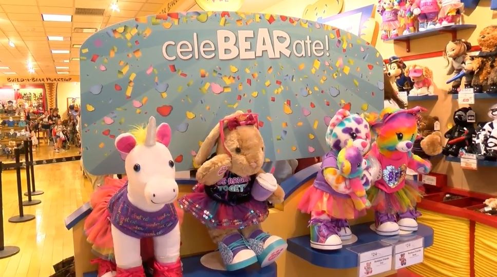 Avoiding chaos? Build-A-Bear brings back 'Pay Your Age' with new rules: https://t.co/V0jgivnaSW  This year, the company has come up with a way to control the crowds. https://t.co/iEDnAnn5bs
