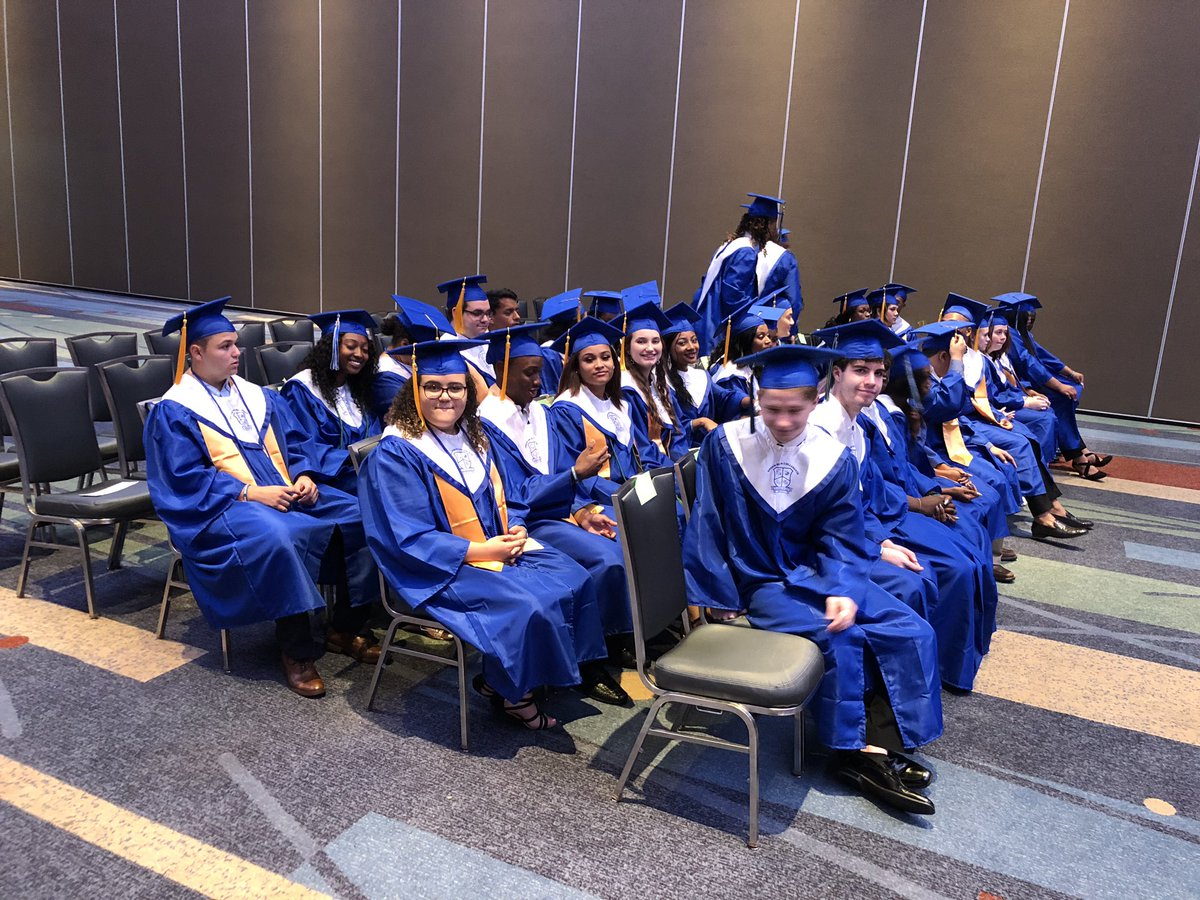 Green Run Collegiate Class of 2019 getting ready to graduate! @grcollegiate #VBCPSGrad