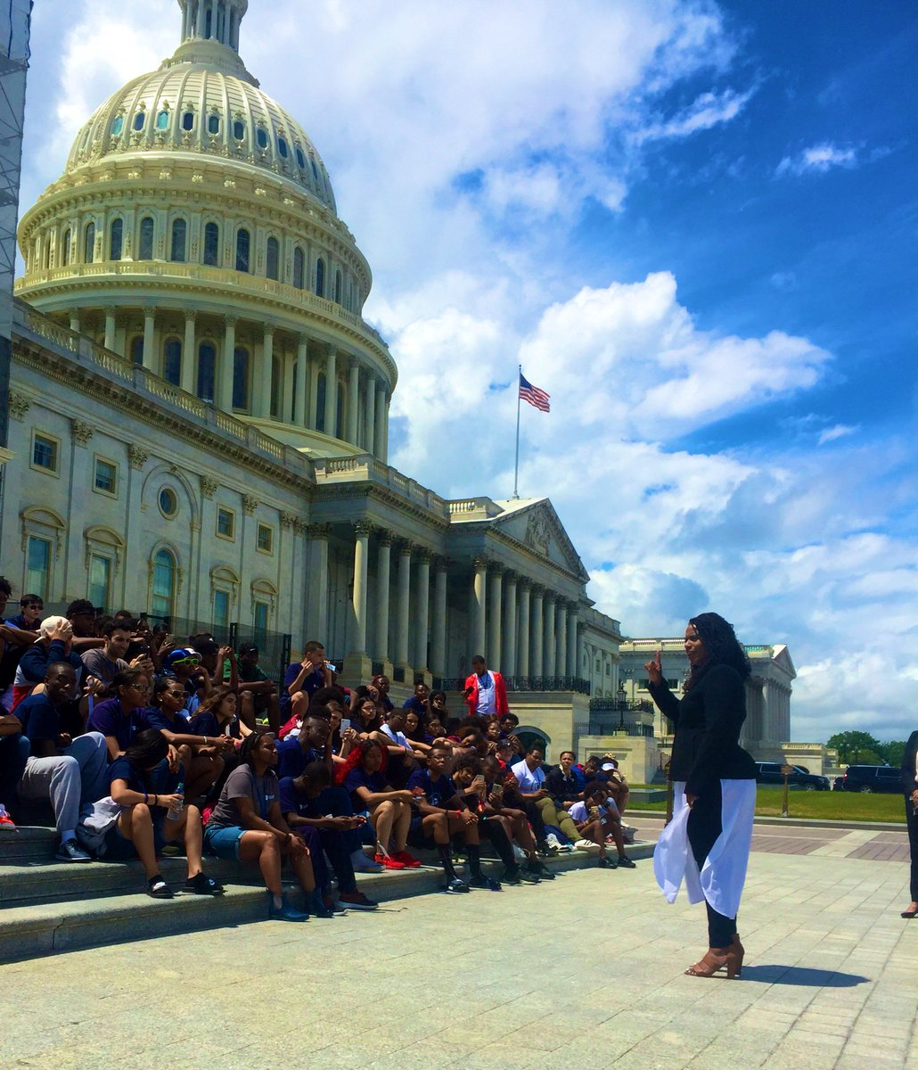 ".@AyannaPressley to students of color from @BrookeSchool on living in this climate: ""don't let them take your joy. Joy is an act of resistance."" #8thgradetrip #teacherlife #representationmatters<br>http://pic.twitter.com/DPCXQjdAnJ"