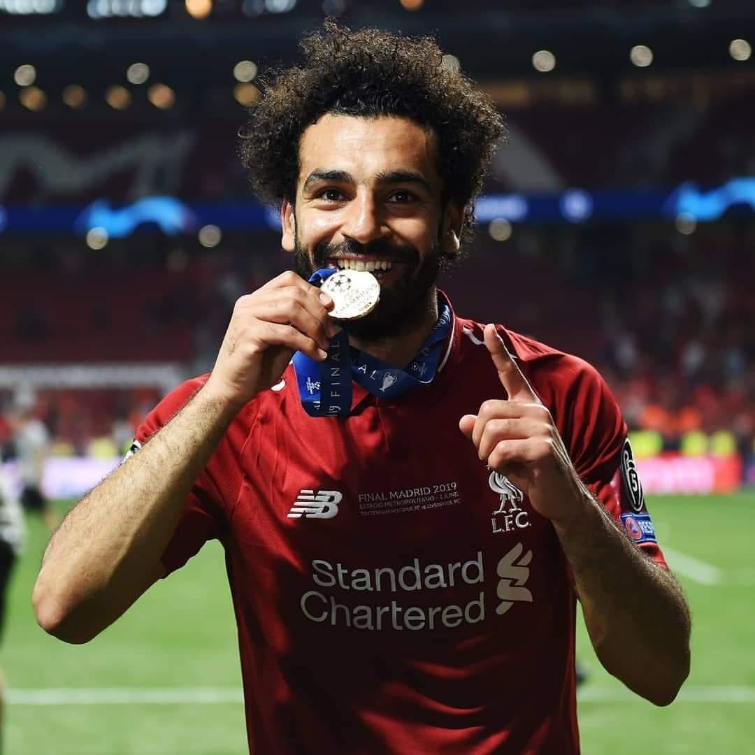 بالصور: محمد صلاح يتوج ليفربول بطلاً لدوري أبطال أوروبا D8A56R4XoAAV83V