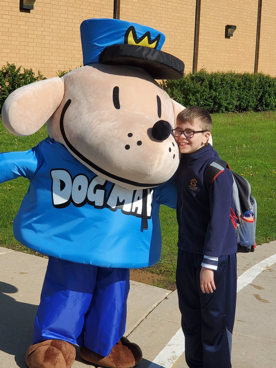 Scholastic On Twitter You Can Request The Use Of The Dog Man Costume Through Your School S Book Fair Consultant Karla