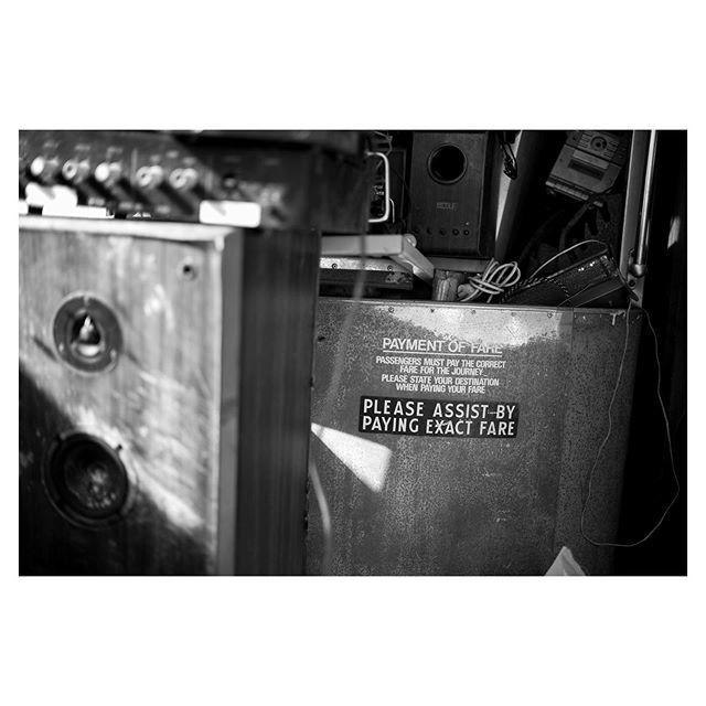 #fare #bus #abandoned #junkyard #leicamonochrom #monochrome #blackandwhite #35mm #summilux #detail #documentary http://bit.ly/2Xn7D67