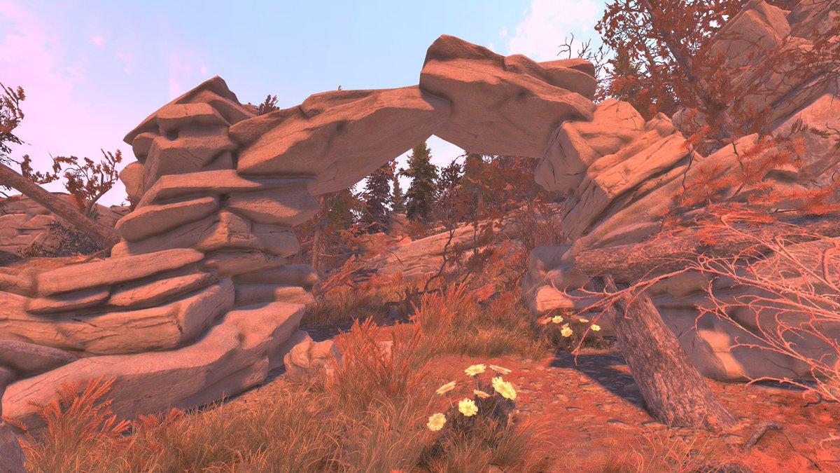 【シリーズ】ウエストバージニア州の不動産業者からおすすめ土地物件の紹介(by   Ct_DRCarpenter)美しいアーチレジェンダリーベンダー、ウェンディゴ洞窟、2つの見捨てられた小屋が近くにあります。なによりも雄大なアーチから美しい眺めも楽しめます。#Fallout76