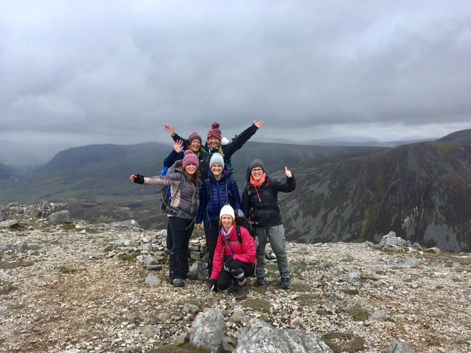 great day out on the hills 3 Munros in 5hrs Carn Aosda, Carn à Gheoidh,and the Cairnwell #hillpals #glenshee #scotland #womanwhohike pic.twitter.com/NCDztBMcmC