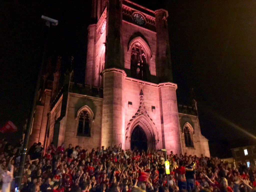 Left the hen to go and get amongst it outside Liverpool Cathedral last night. Having a lovely time singing the Fields of Anfield Road... I SEE WHAT YOU DID THERE, V WITTY PUN. #footballcontent pic.twitter.com/93FLxuagmo