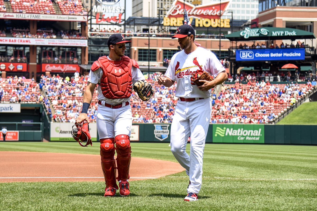 Thank you @Cardinals fans for an amazing debut!! Huge win!! @UncleCharlie50 🐐 #TimeToFly