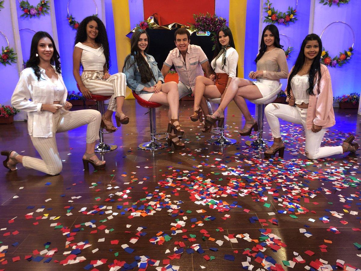 Salvador Nasralla te presenta los mejores juegos y premios en #X0. Entra a #TVCPlay y disfruta de todas las divertidas ediciones http://ow.ly/E36430oP0T0