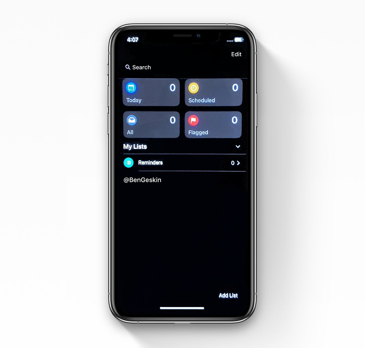 iOS 13 - Dark Mode - New Reminders app