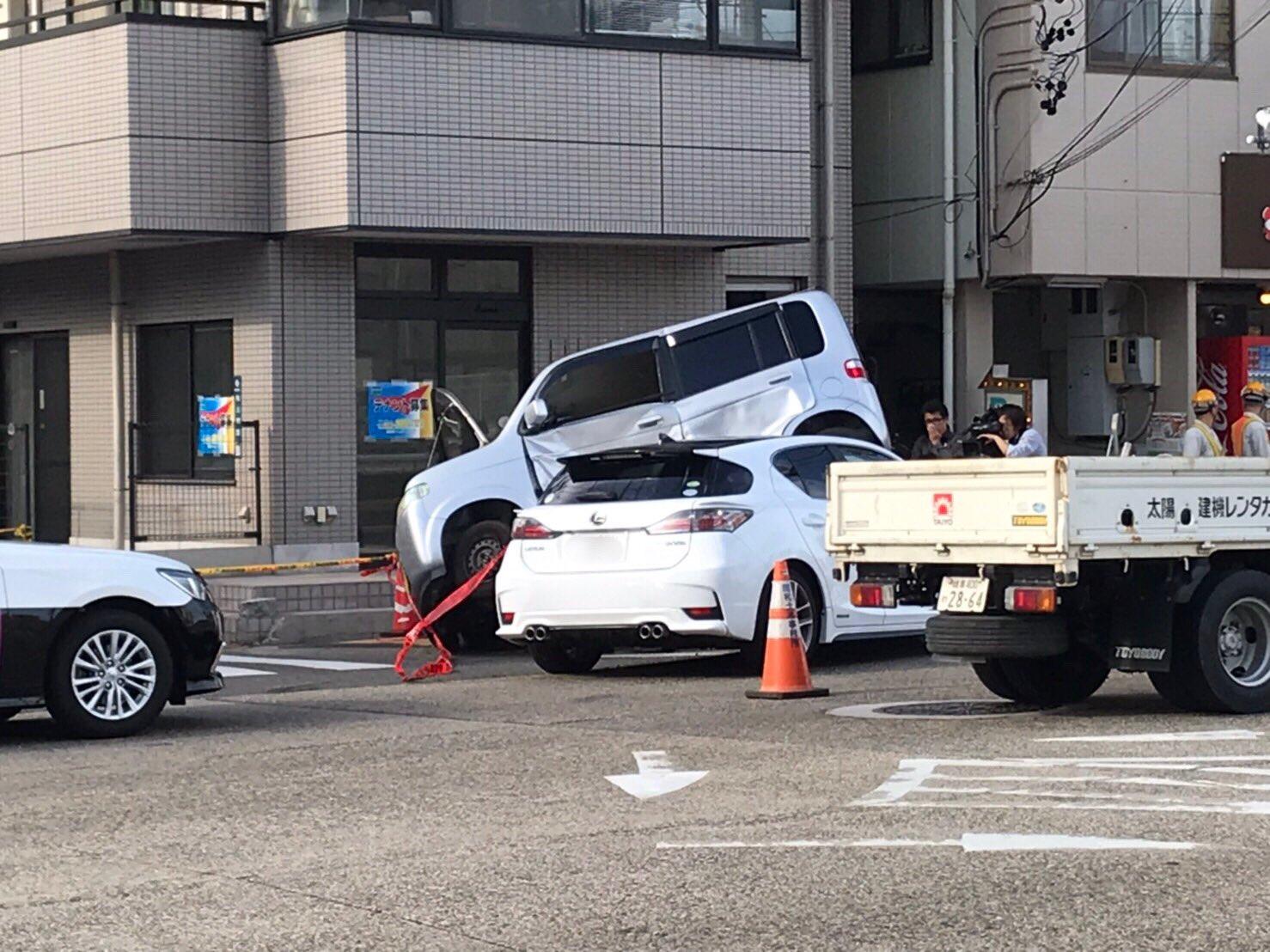 名古屋市昭和区の八熊通で事故が起きた現場画像