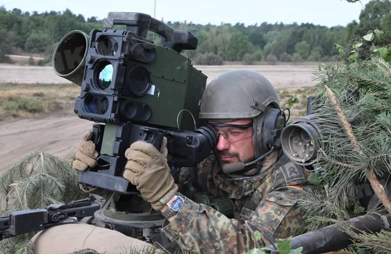 صواريخ Spike : هل صنعت اسرائيل اقوى الصواريخ القاتله للدبابات في العالم ؟ D8In4HeWsAEj-sx