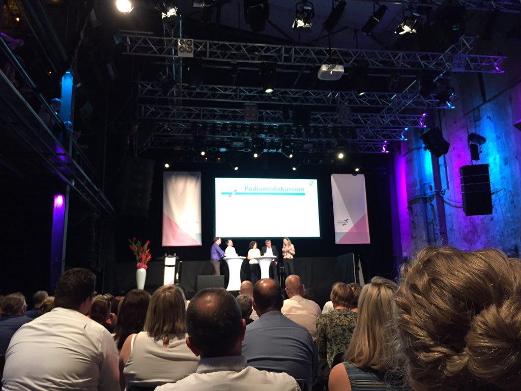 test Twitter Media - Austausch zur Fachkräftesicherung in Regionen. @ahoch3_augsburg auf dem 7. Innovationstag 2019 - Die Arbeit von morgen gestalten! #Innotag19 #berlin https://t.co/hQvkF9xRza