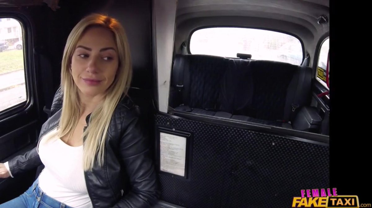 test Twitter Media - RT @wallflower_isko: I THOUGHT LADY GAGA WAS IN FEMALE FAKE TAXI HAHAHAHA https://t.co/RTeQKXivJU